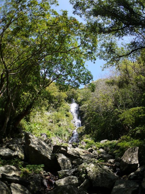 フナンギョの滝へは歩いていきましょう